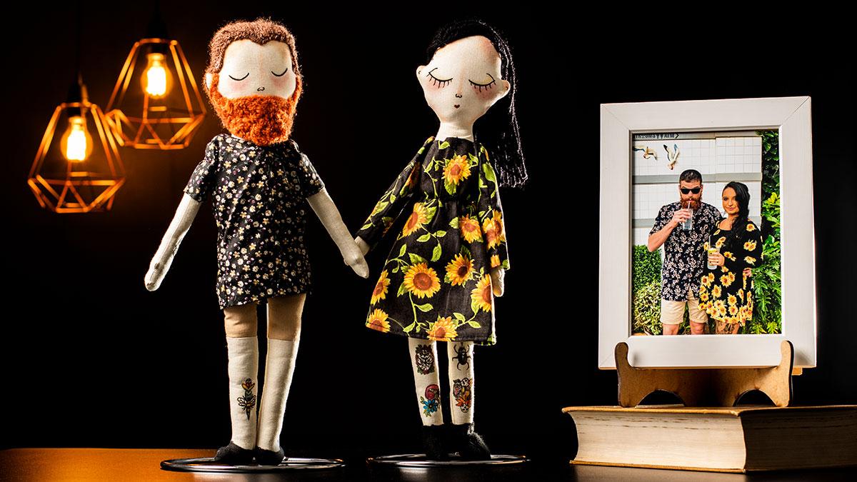 7c3ad36f0e 1557407957-44-0037-2408 15582-bonecas-de-pano-personalizadas-da-criacao-ao-mercado.jpg