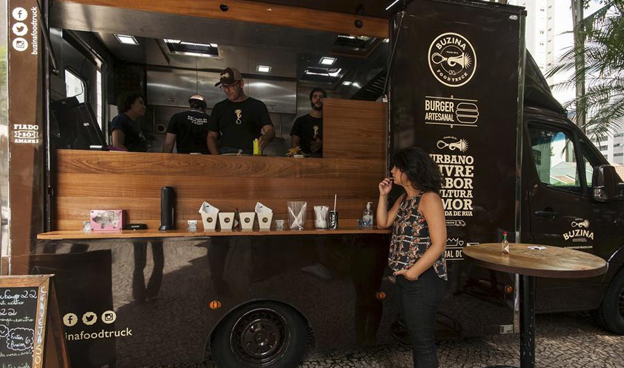 Cozinha planejada para food truck v rios for Design food truck online